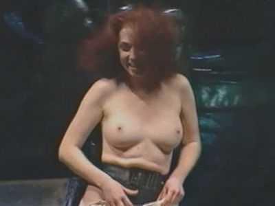 smotret-porno-foto-s-annoy-bolshovoy-porno-foto-bryunetki-s-volosatoy-v-chulkah
